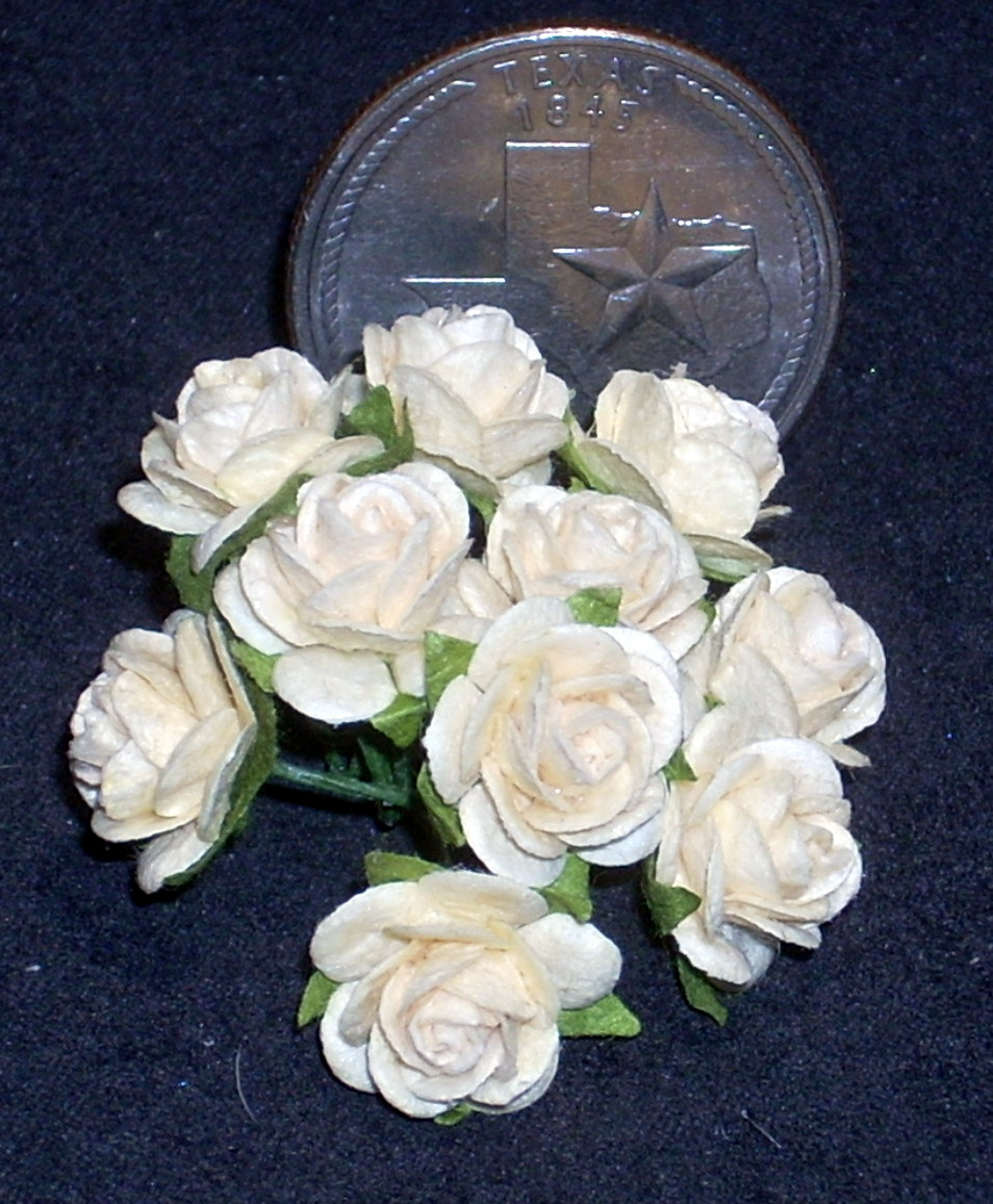 Yellow Rose of Texas Med Ivory 1:12 Dollhouse Miniature #1709